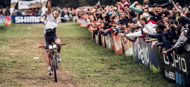 Nino Schurter and Jolanda Neff win XCO overall title. Schurter and Annika Langvad victorious in Val di Sole-XCO.