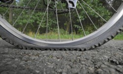 LIMBC MTB 101 : HOW TO FIX FLAT TYRE